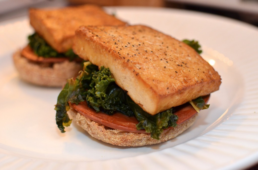 Add the baked tofu on top of the kale