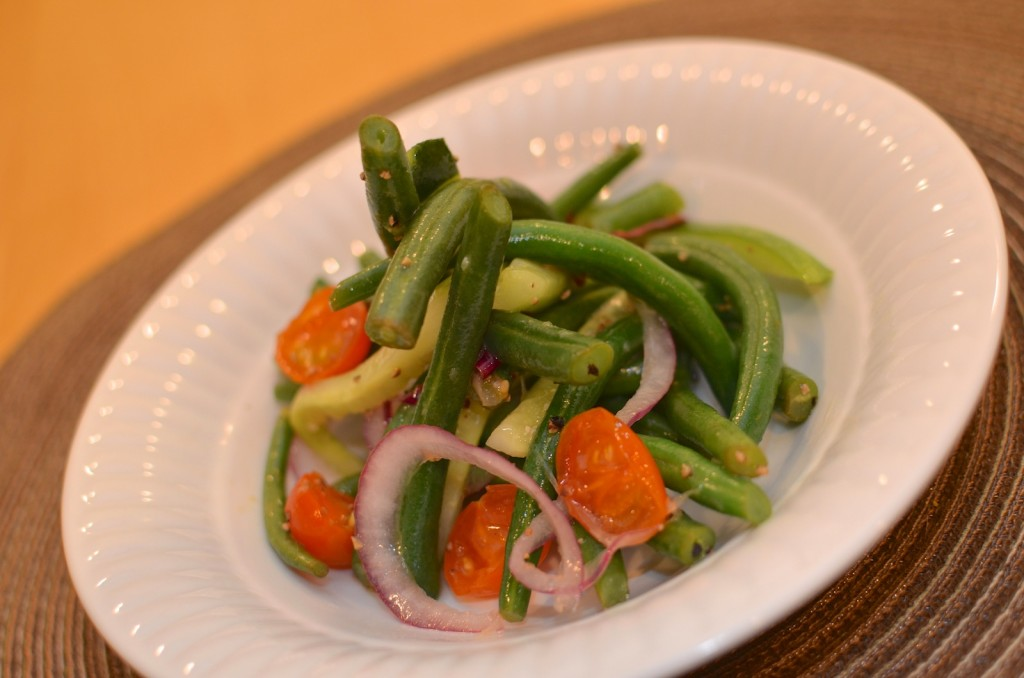 Green Bean Salad with Red Onion & Tomato
